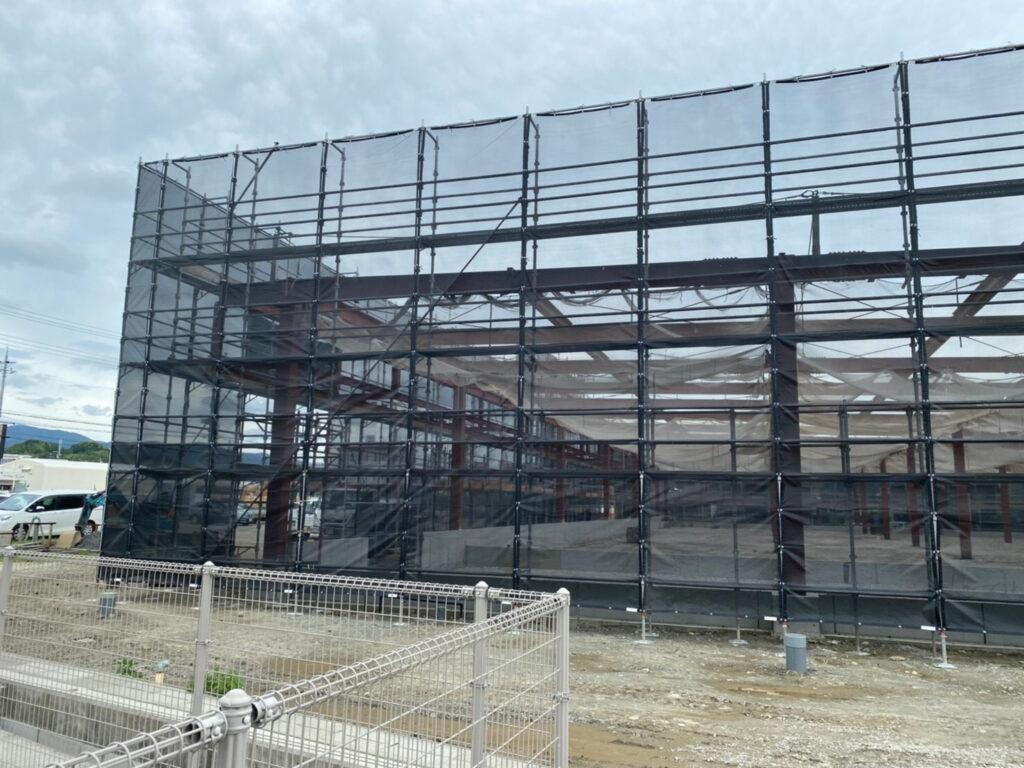 和歌山県紀の川市粉河 ドラッグストアの足場組立