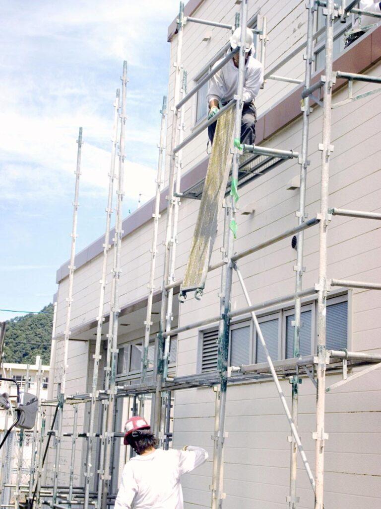 建設足場の組み立て、種類や解体や安全制などについて画像